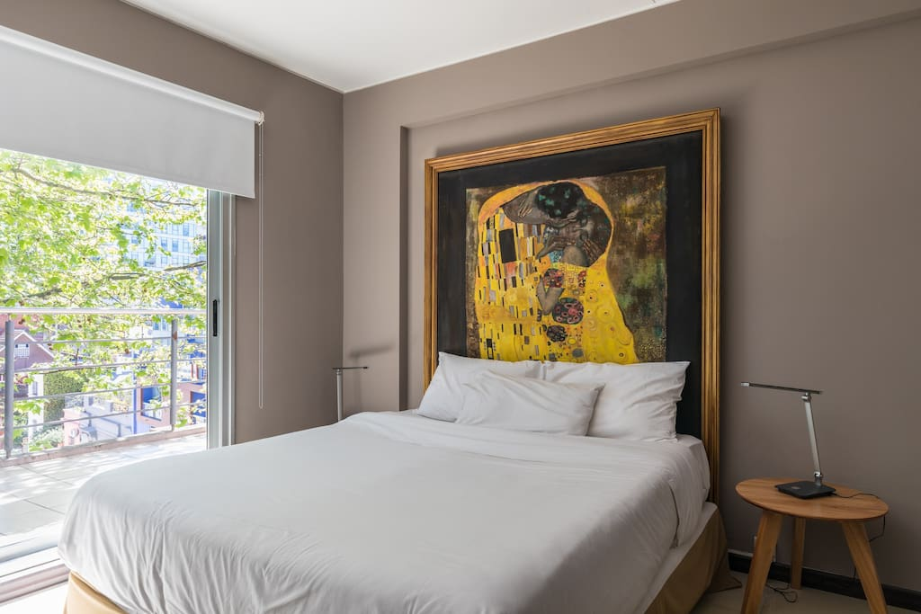 Feel Terrace Apartment. Amplio y luminoso dormitorio