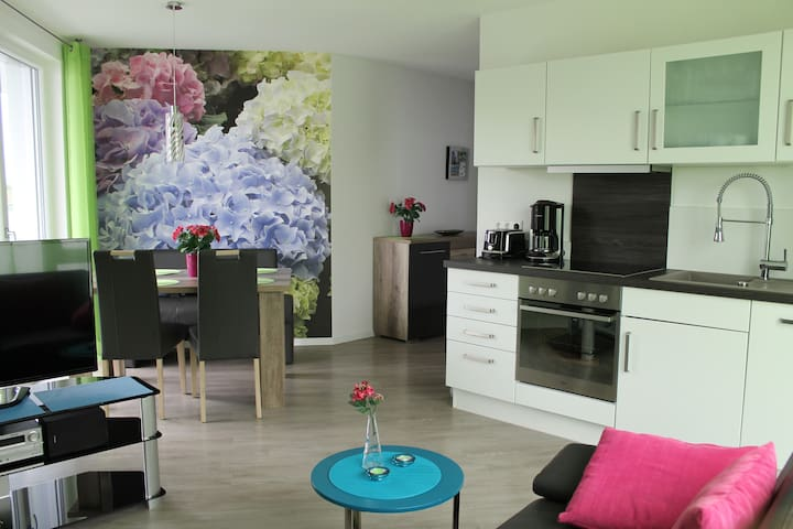 Apartment Hortensie with Lake View, Balcony & Private Terrace; Parking Available