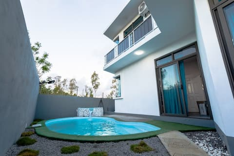 Fully equipped private villa with private pool in a very calm and peaceful environment with 3 bedrooms.
