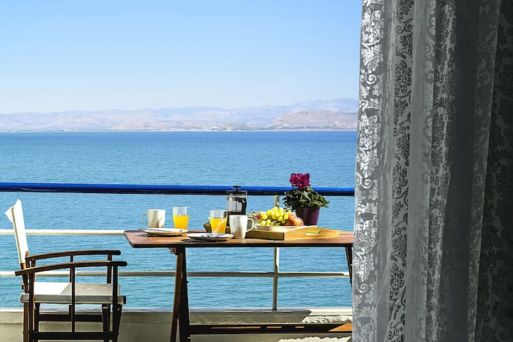 Holiday Beach Studio Apartment, Kiveri, Nafplion - Argolis - Leilighet