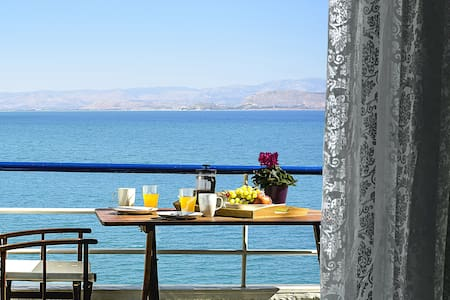 Holiday Beach Studio Apartment, Kiveri, Nafplion - Argolis - 公寓