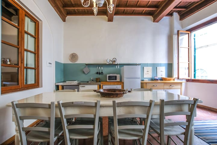 Space, comfort and beauty near Ponte Vecchio