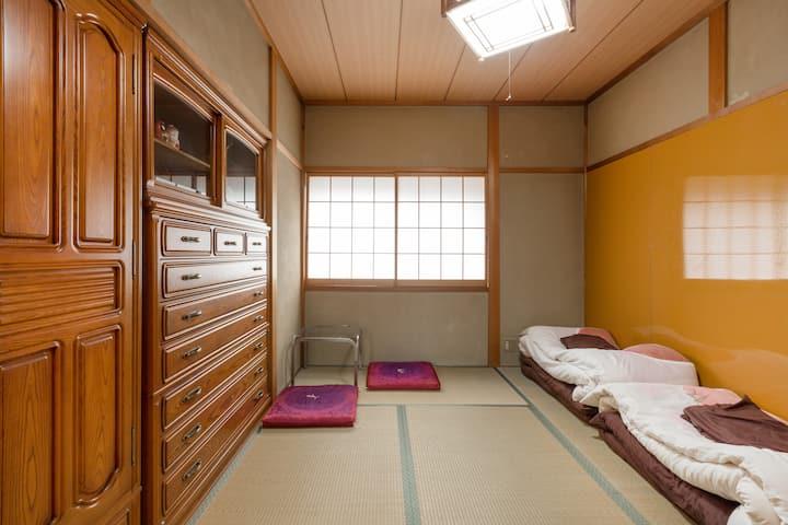 和室房間#5 伏見稲荷民宿。 位於京都的觀光景點,歡迎出差客能多加利用