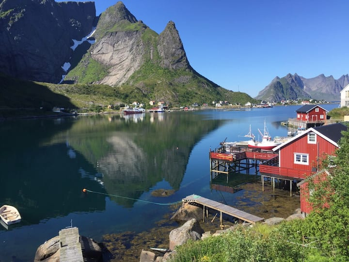 Reine Retro Villa - Cozy With a Fantastic View.