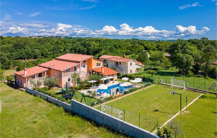 Nice home in Buje with WiFi and 3 Bedrooms