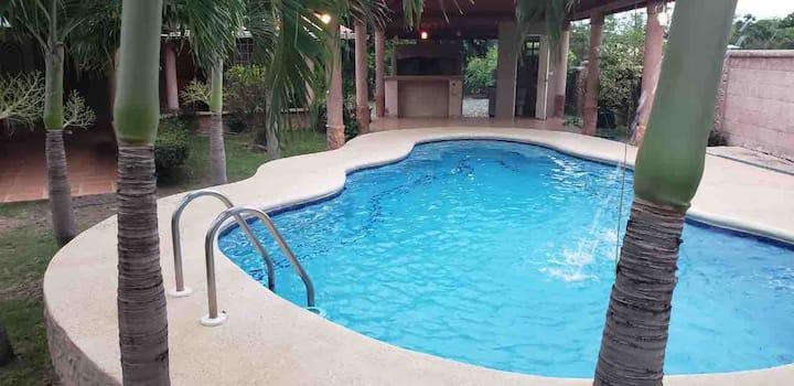 A piscinear