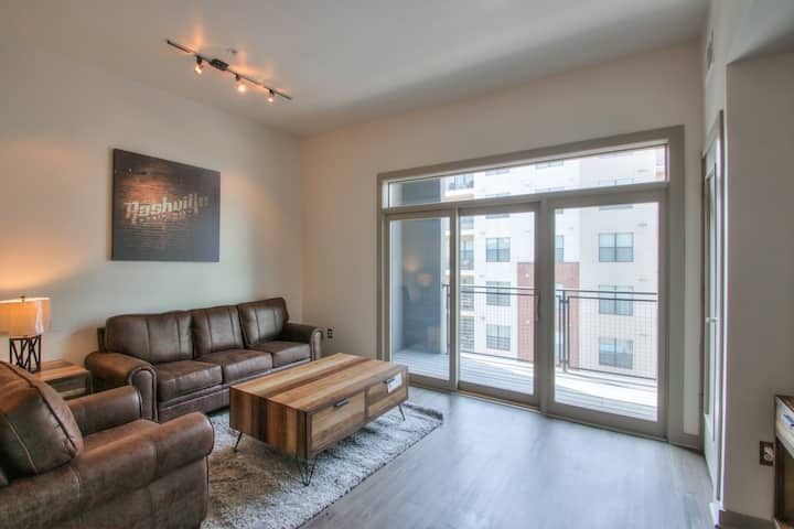 Stunning 1 bedroom in the heart of the Gulch