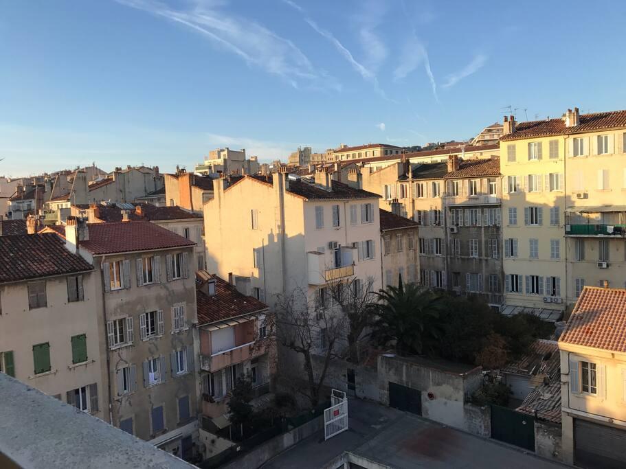 Vue sur les toits de Marseille - coté ouest.