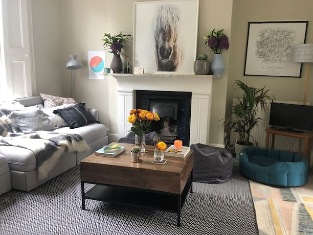 Bright One Bedroom in Islington