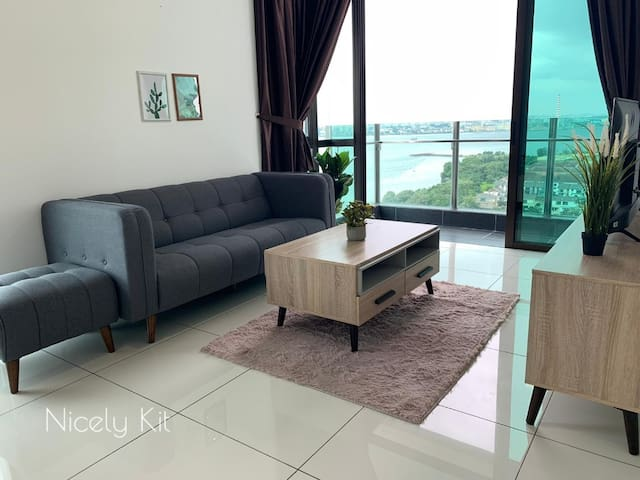 Sea Side High End Apartment with Golf@ Marina Cove