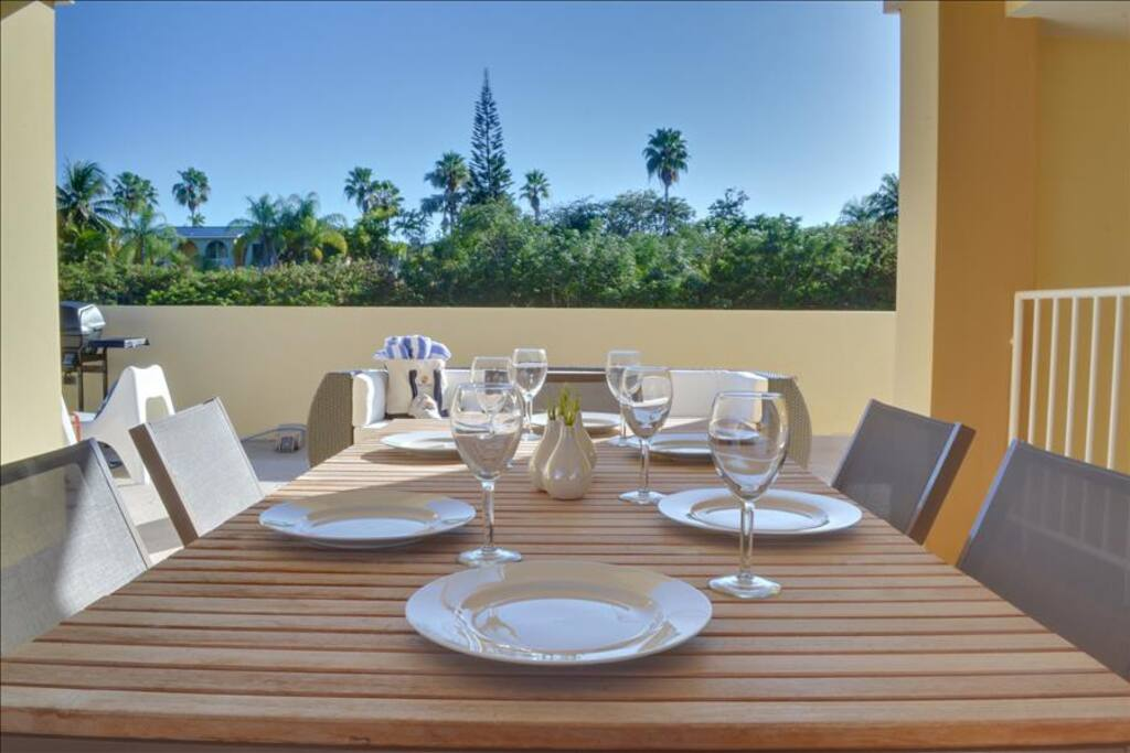 6 Person Dining Table in Rooftop Terrace