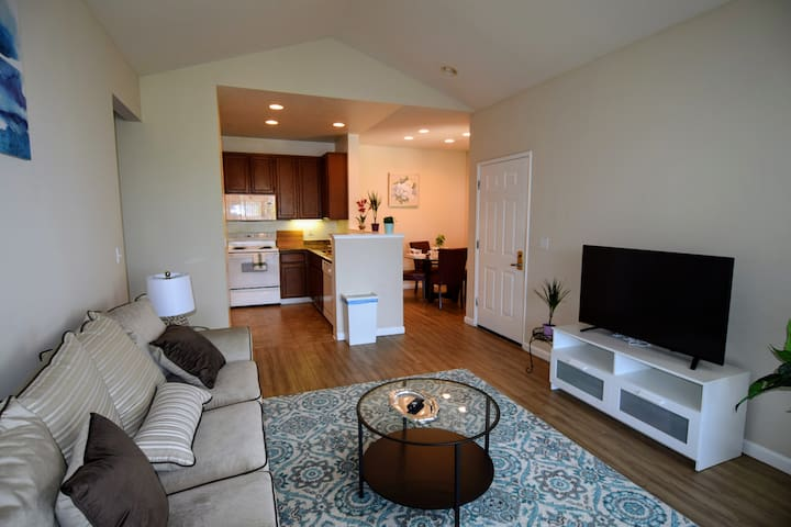 New 2Bed2Bath Apt in Cupertino - Cupertino - Apartment