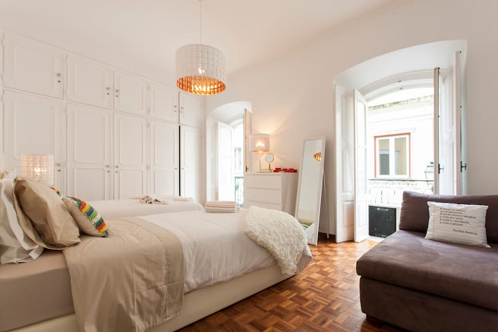 Cozy Double room | Bairro Alto | Private bathroom!