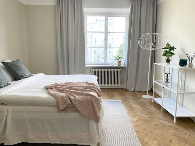 Spacious 1-bedroom apartment at Bondegatan