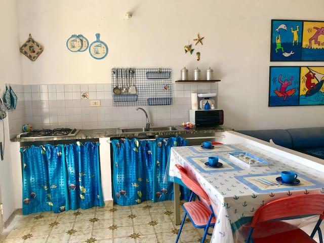 Bilocale con giardino; isola di Linosa