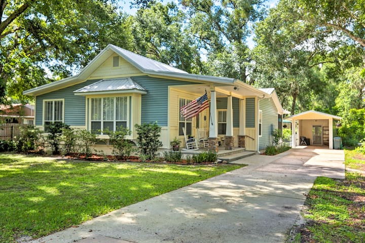 Charming Lake Helen Home w/ Yard by Interstate 4!