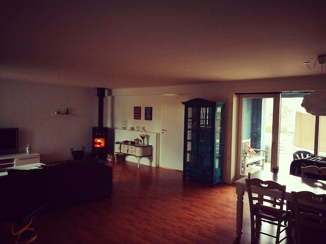 Rummelig lejlighed i ældre villa - Viborg - Apartamento