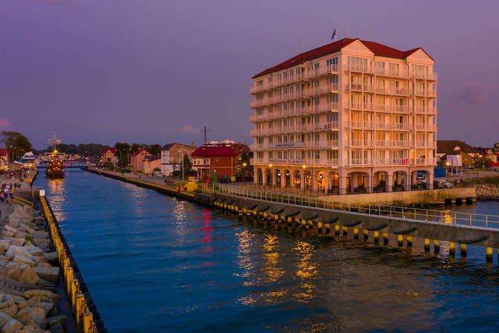 Apartament Bulwar Zachodzącego z widokiem na morze