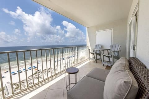 Direct beach front in the heart of Gulf Shores!