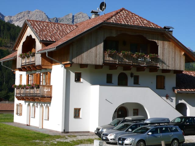 Apartments with view Dolomites - Villabassa - Byt