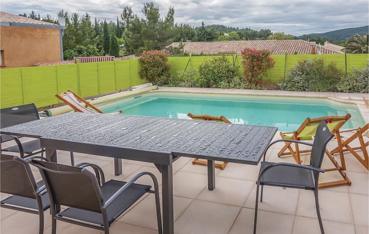 Holiday cottage with 3 bedrooms on 96m² in Bize Minervois