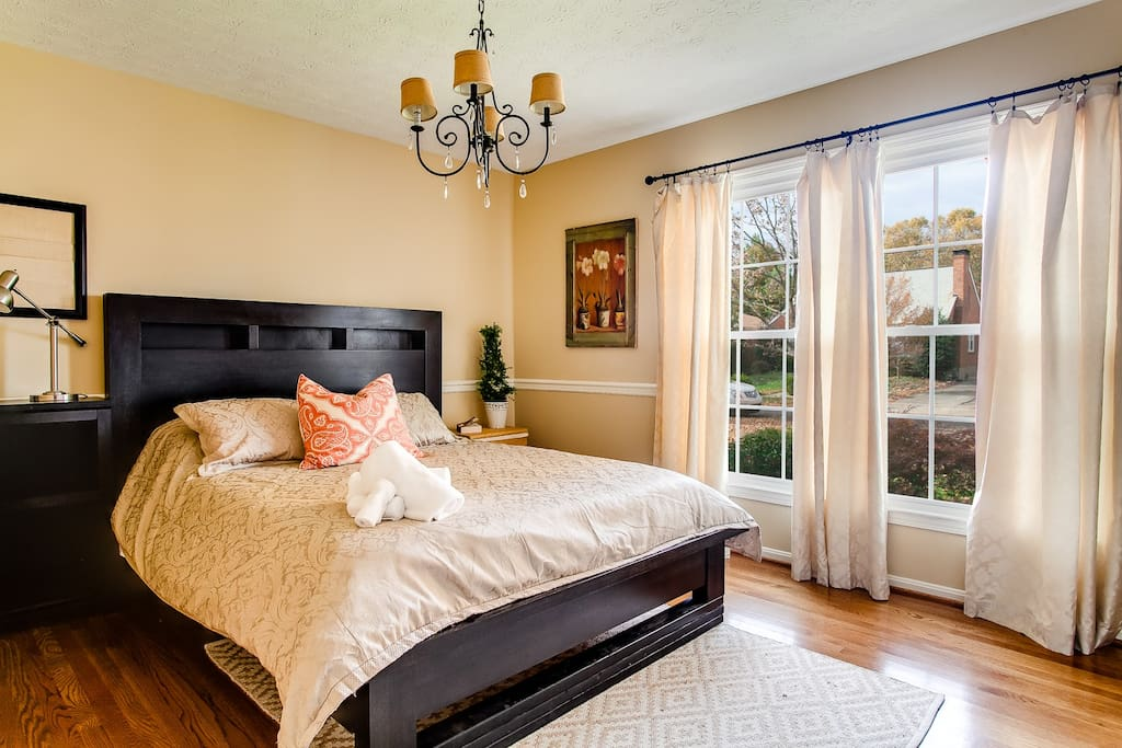 Wake up and take in the scenery of the front yard and cute neighborhood in the first floor bedroom.
