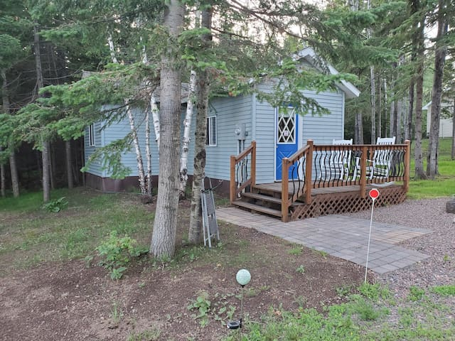 Blue Cabin with 1 Bedroom