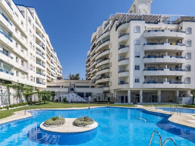 Apartment with WiFi on Marbella beach