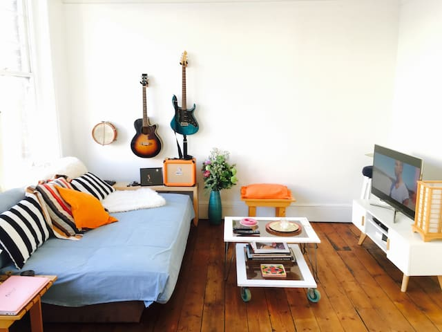 Sweet and sunny flat in Kensal Rise - לונדון - Apartament