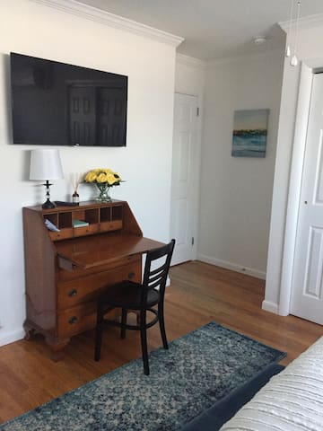 A cozy space to work or to write about your fantastic vacation in BR 2