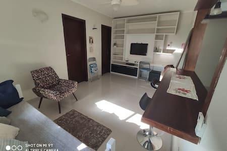 Charmoso bem localizado c/ WiFi 120, TV e garagem