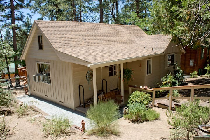 1 bedroom with loft. 2 baths Dog friendly! - Idyllwild-Pine Cove - House