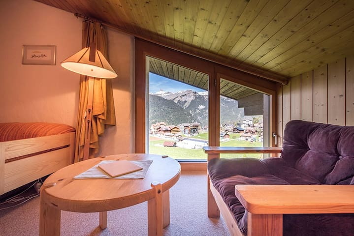 Wengen Attic Studio for 2 with Breathtaking Views
