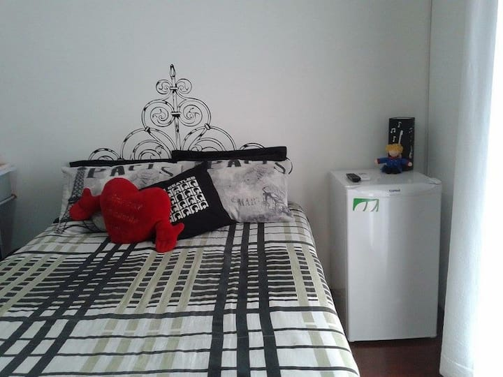 Air cond/TV/Mini refr/bed marriage box/Work desk