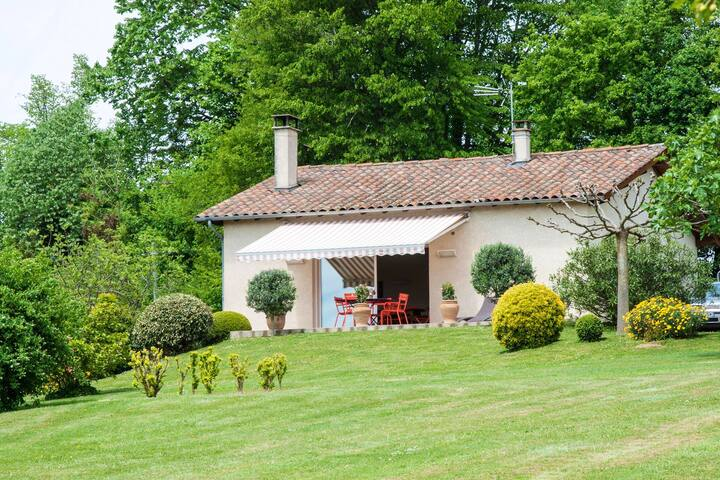 House with 2 bedrooms in Monlaur-Bernet, with furnished terrace and WiFi
