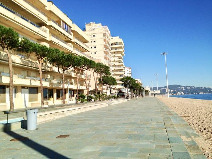 Apart. Platja d'Aro frente al mar, 1 hab, piscina