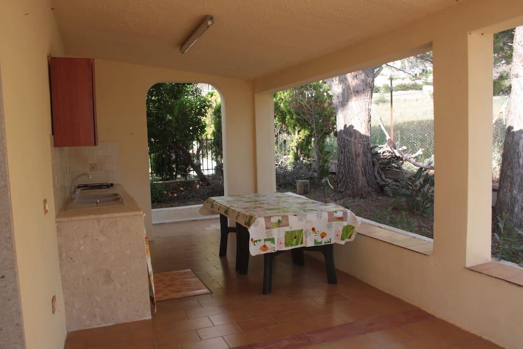 Spazio esterno e cucina
