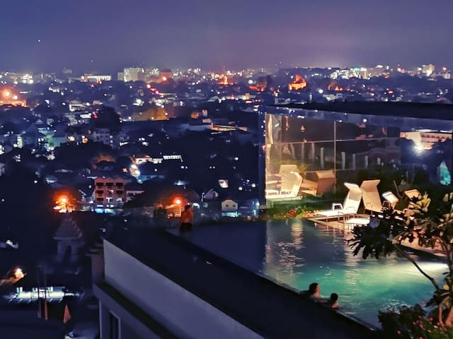 ASTRA SUITES -  Large Condo by the Night Bazaar.
