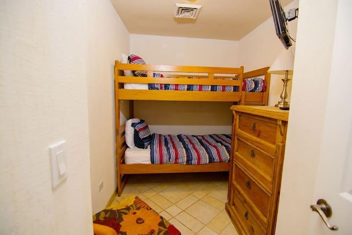 Bedroom 2 bunk beds.