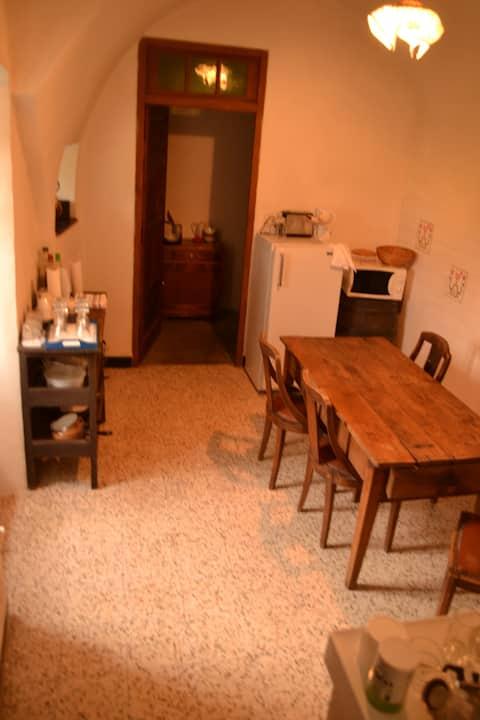 Sud Ardèche : Maison rustique village de caractère