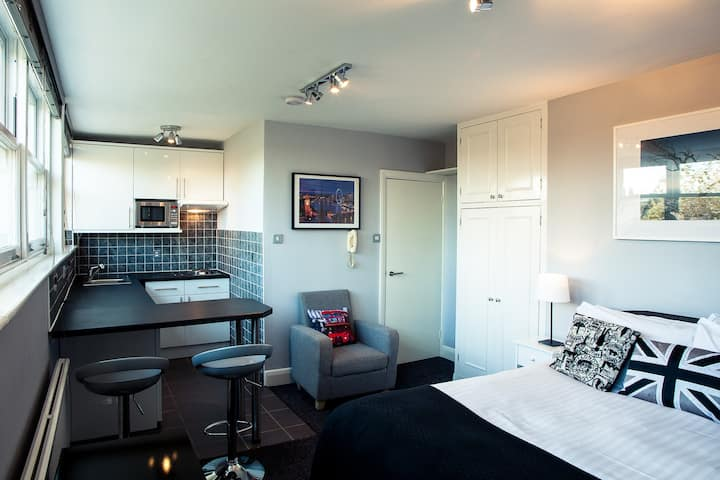 Studio Apartment · Studio Apartment in Hammersmith