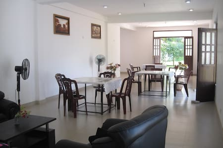 Miheen Hotel - Anuradhapura