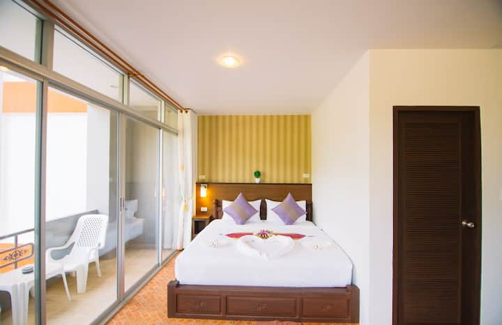Lanta Nice Beach House (Superior Room Only)