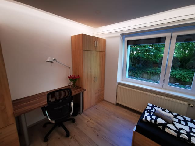 Room (2) at Northen park (Scooters available)