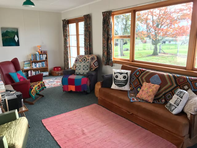 Cozy and comfy Kiwi farmstay cottage