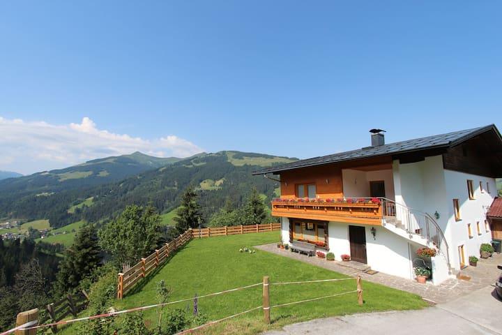 Apartamento moderno cerca de una zona de esquí en el Tirol