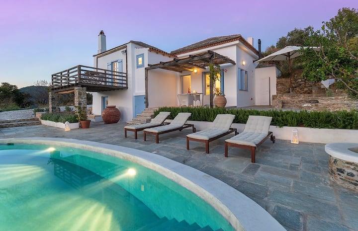 Aidoni Villa