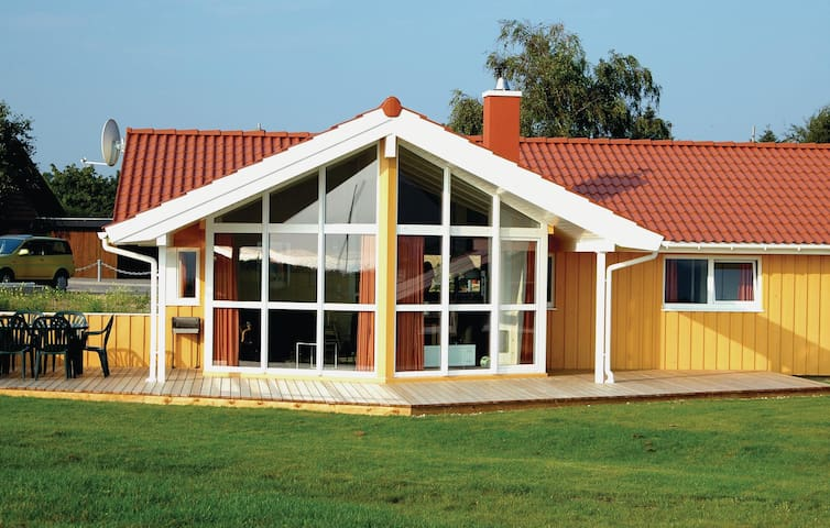 Holiday cottage with 3 bedrooms on 100m² in Travemünde-Priwall