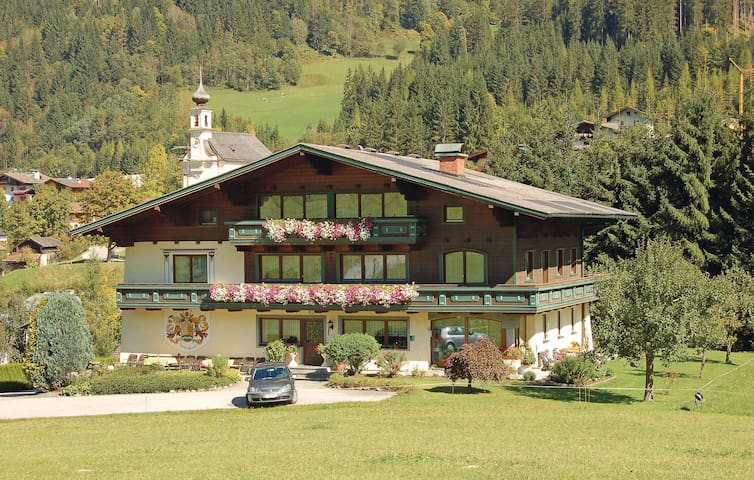 Holiday apartment with 2 bedrooms on 50m² in Flachau