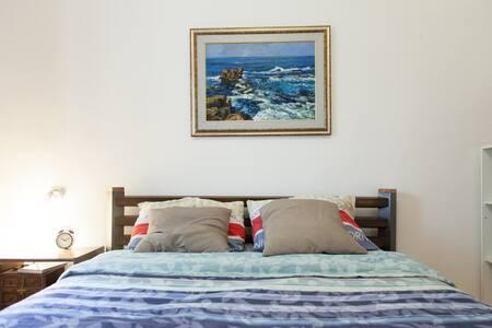★Big room & Top Location Spacious Carmel Apartment - Haifa - Apartment